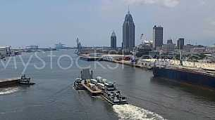 BargeLoaded-Tugs-MobileSkyline2