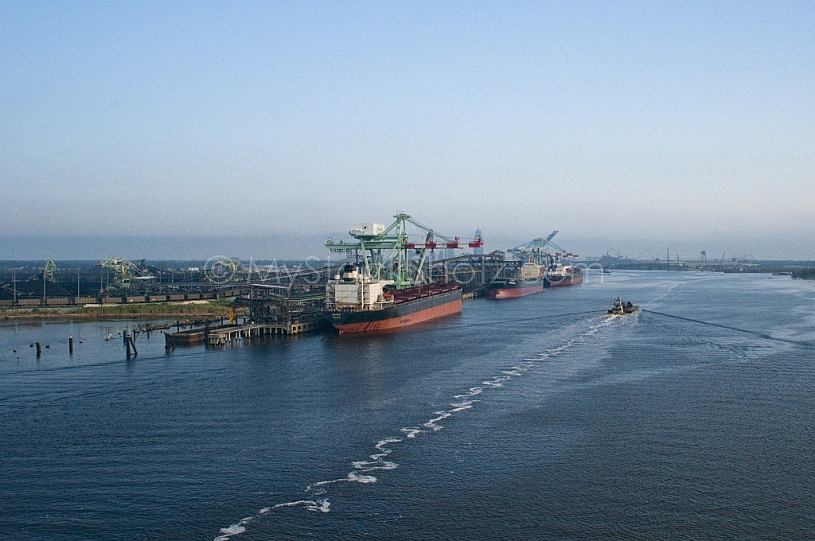 River & Shipping industry in Mobile, Alabama