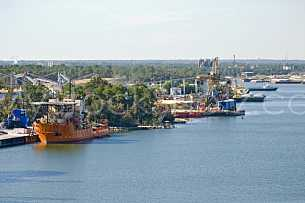 Ship activity at the Theodore Port