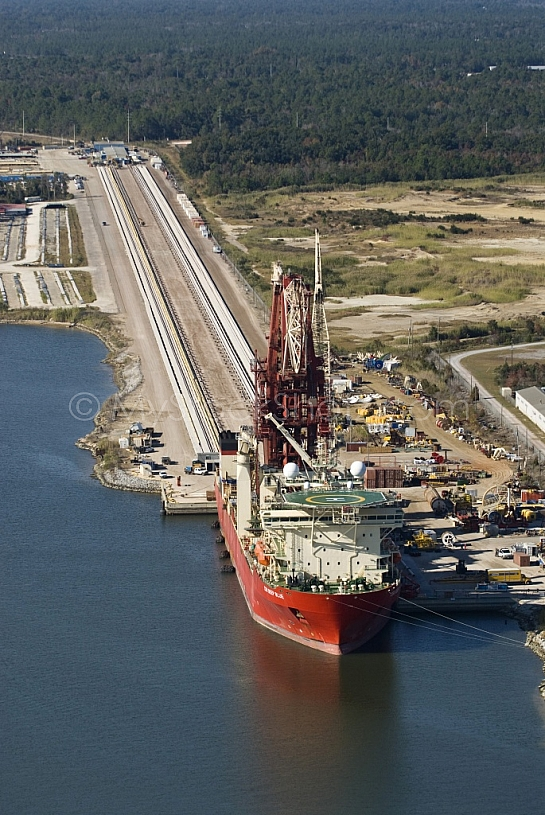Deep Blue Pipeline Ship