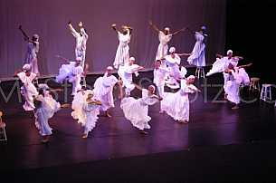 Contemporary Dancers